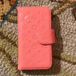 Louis Vuitton like iPhone case